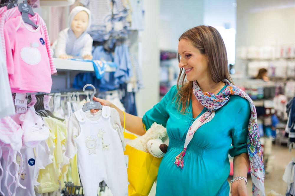 consejos para comprar ropa de bebé recién nacido