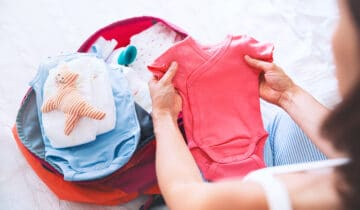 Tipos de ropa para bebe recien nacido que necesitas comprar